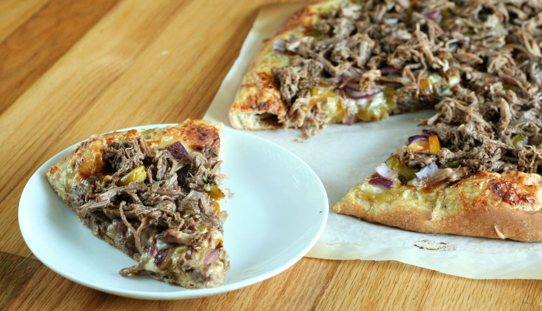 Slow Cooker Carnitas Pizza 2