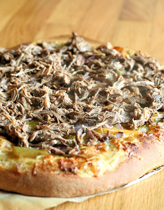 Slow Cooker Carnitas Pizza 4