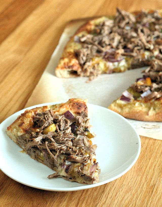 Slow Cooker Carnitas Pizza